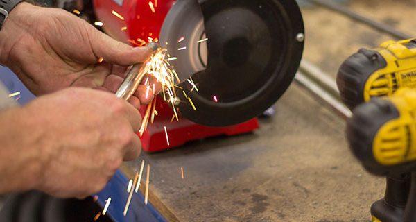 Cómo proteger las máquinas para la fabricación de material de construcción